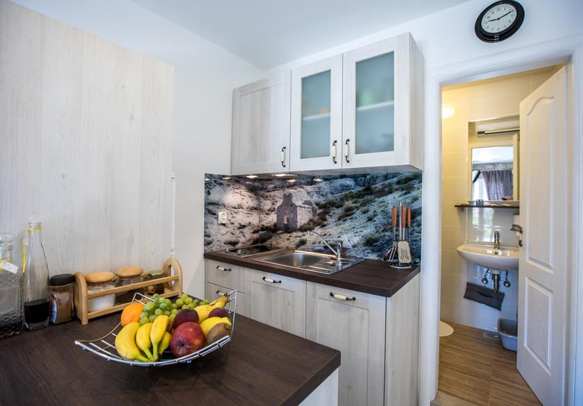 bernardica apartment slano kitchen