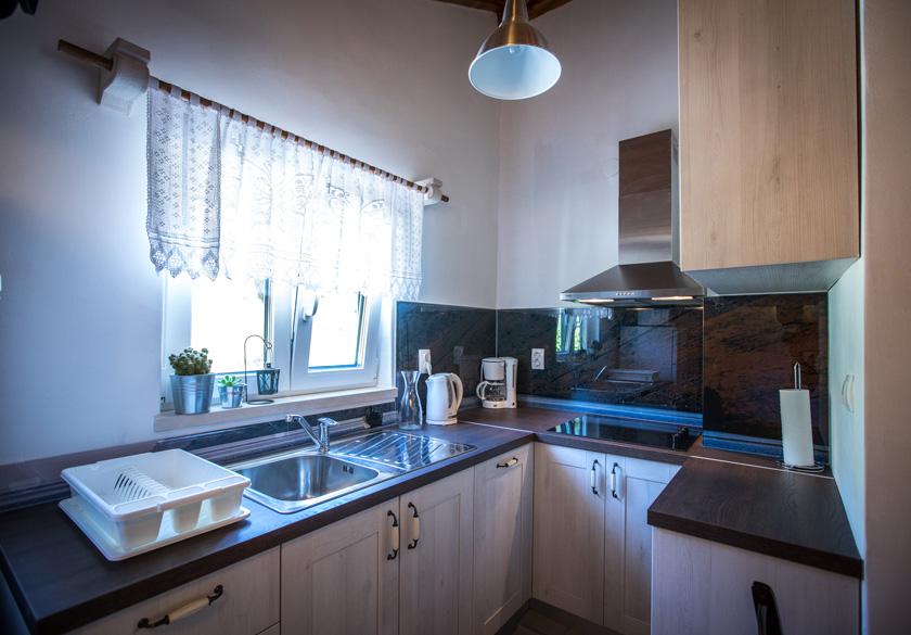 marijan apartment slano kitchen