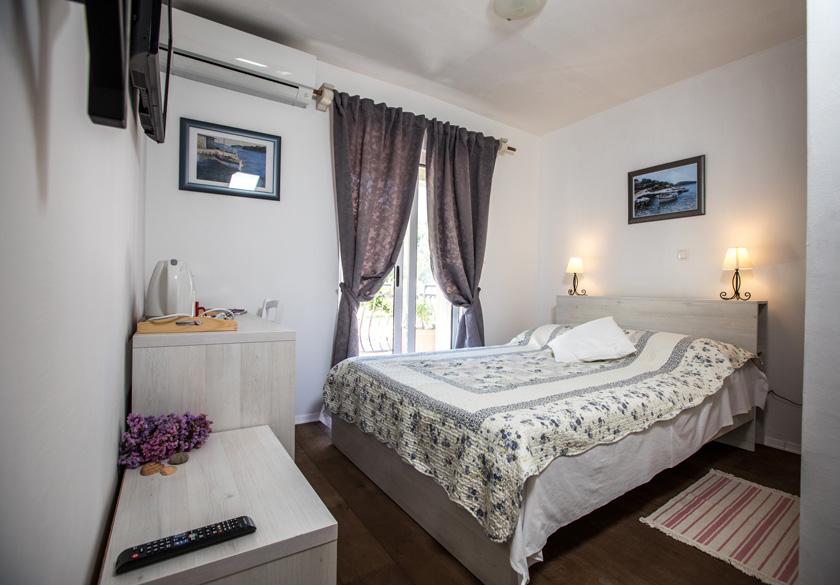 mato room bedroom